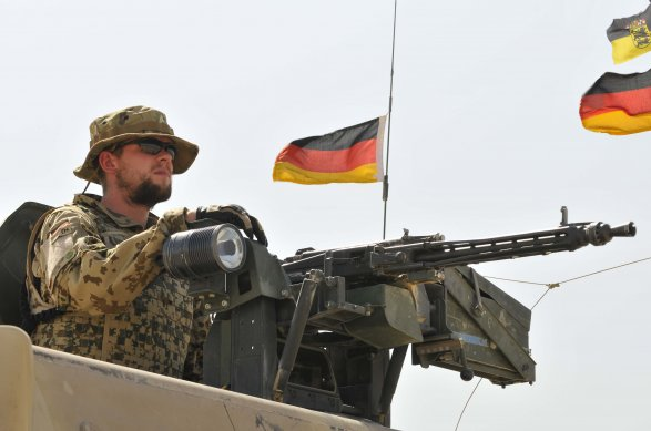 В Германии по подозрению в подготовке теракта задержали военнослужащего