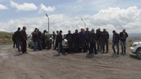 Акция протеста на русской военной базе вАрмении