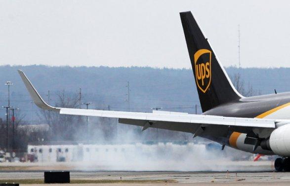 ВСША упал грузовой самолет, необошлось без жертв