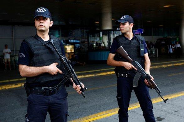 Аресты вТурции: Выдано еще 100 ордеров