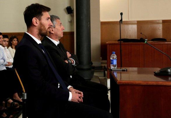 Футболиста Месси приговорили к21 месяцу тюрьмы занеуплату налогов