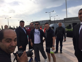 Чекисты и журналисты на марше за Республику