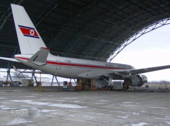 Самолет Ту-204 начал разваливаться ввоздухе иэкстренно сел вПхеньяне