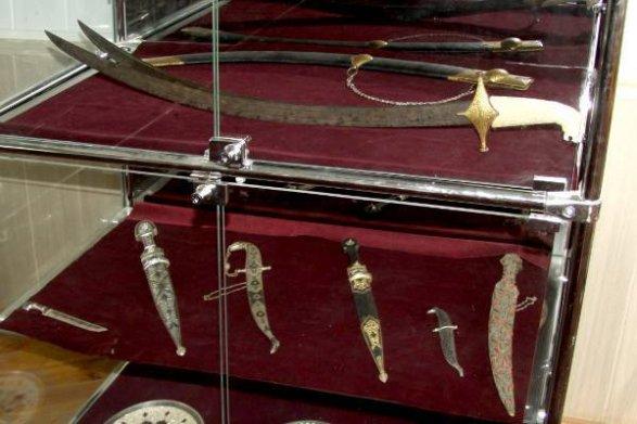Измузея вДагестане украли серебряные сабли на3 млн руб.