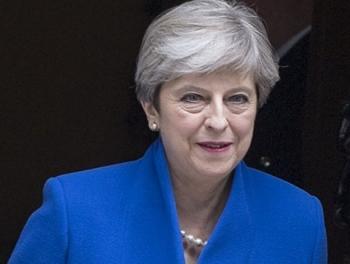 Мэй пообещала обеспечить безопасность мусульман в Британии