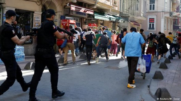 Турецкая милиция расстреляла гей-парад вСтамбуле