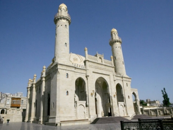 Праздничный намаз в мечетях Азербайджана