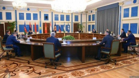 Путин поздравил Рахмона сДнем государственного единства Таджикистана