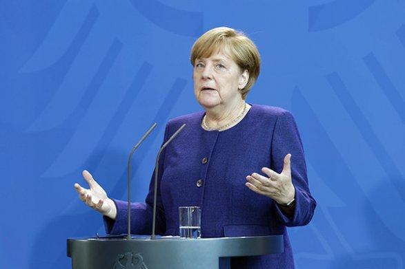 Меркель не будет выступать посредником между Путиным иТрампом наG20