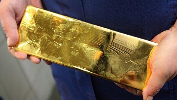 ВЯпонии втуалете пассажирского самолета нашли золотые слитки