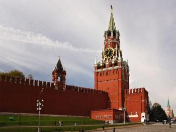 А может, Кремлю оглянуться? Ведь там Минасян с Джагаряном!
