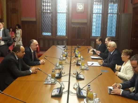 Мамедъяров проводит встречи вВенгрии