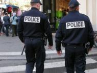 В Испании мужчина напал с ножом на полицейских