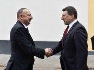 Президент Алиев поехал улучшать ситуацию с Латвией