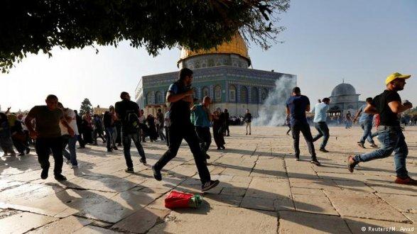 УХрамовой горы вИерусалиме возобновились стычки милиции  смусульманами