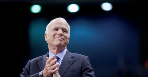 Маккейн пройдет курс лучевой ихимиотерапии вАризоне