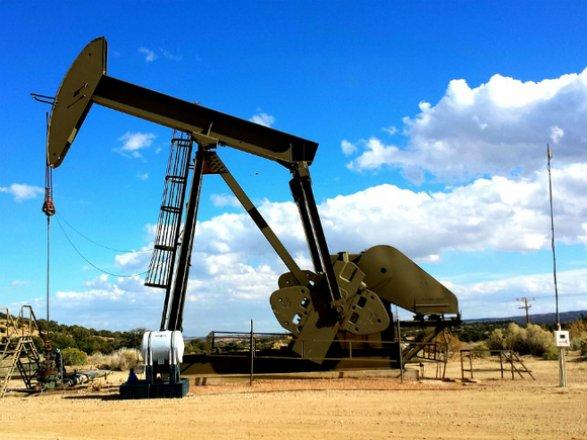 Цены нанефть изменяются , отыгрывая статистику о понижении  запасов вСША
