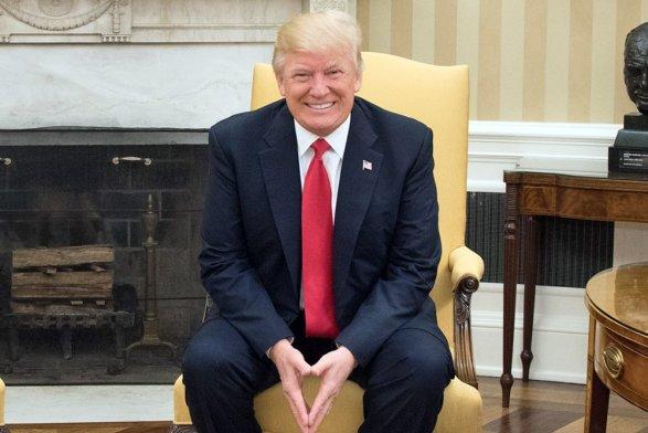 Трамп два раза вдень получает выборку положительных отзывов осебе