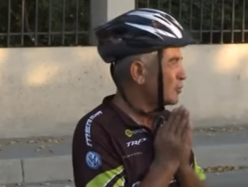 Пенсионер-азербайджанец на велосипеде добрался до Стамбула фото; видео