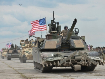 США готовятся к ракетному удару по Пхеньяну и вторжению в Венесуэлу