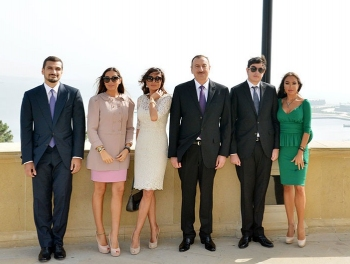 Guardian: За фальшивкой о семье Алиевых стоит Кремль