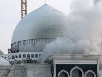 В Каталонии вандалы атаковали мечеть и марокканское консульство