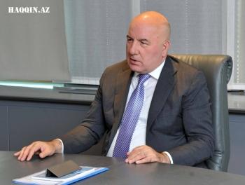 Эльман Рустамов встретился с аналитиками haqqin.az. Сколько денег нужно нашим банкам?