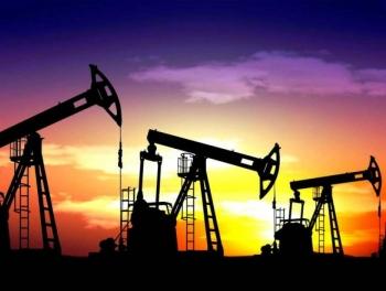 Нефть восстанавливается после обвала накануне