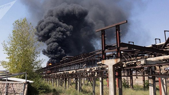 Размещено видео горящего завода «Наирит» вАрмении
