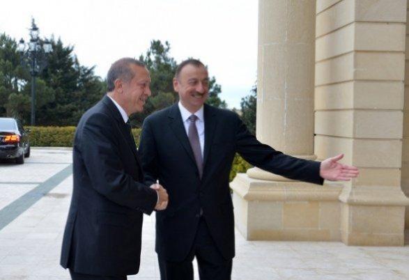 Встолице Азербайджана проходит встреча глав МИД Турции иГрузии
