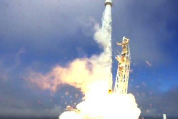 ВВС США и SpaceX запустят орбитальный самолет в космос