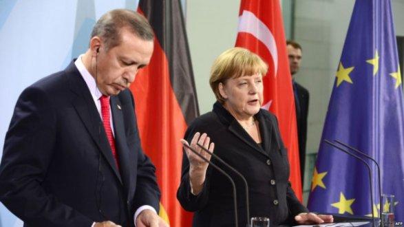 Представитель Эрдогана: Турция останется надежным партнером НАТО после покупки С-400