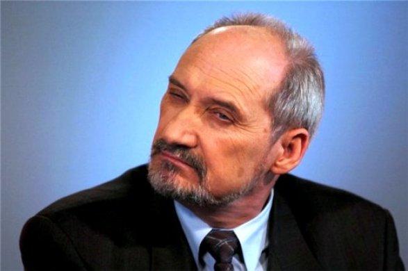 ВПольше министра обороны подозревают всвязях с русской разведкой