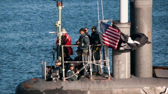 Североамериканская боевая субмарина вернулась набазу под темным флагом— Пиратская подлодка США