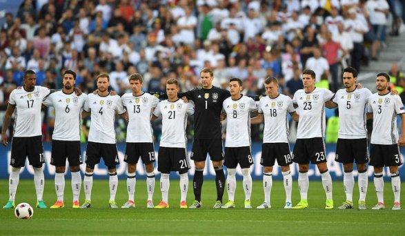 Германия оштрафована на32 тысячи франков запроявление нацизма