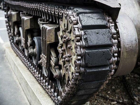 Англия  поставила Латвии 65 бронемашин
