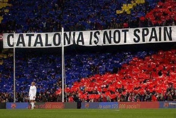 Премьер Испании дал Каталонии неделю, чтобы определиться с независимостью