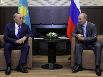 Путин пообещал помочь превратить Казахстан в космическую державу