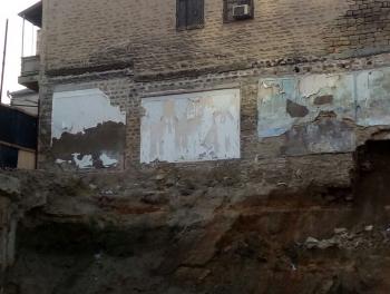 Только в Баку: бульдозер сносит дом вместе с жильцами