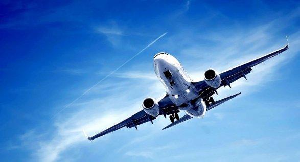Летевший встолице Азербайджана самолет вернулся обратно ваэропорт