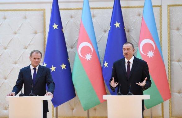 Азербайджан поддерживает территориальную целостность исуверенитет Испании (версия 2)— МИД