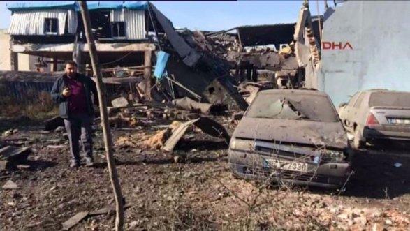 На лакокрасочной фабрике в Турции произошел взрыв парогенератора, есть погибшие