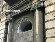 Минкультуры: власть Наримановского района разрушает дом от 1856 года!