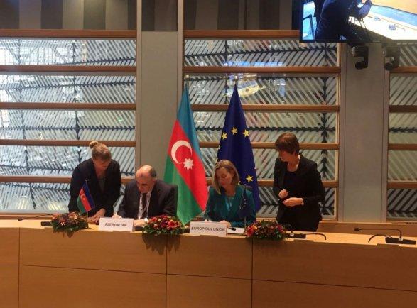 Медведчук: насаммите «Восточное партнерство» Киев был удостоен порки, ноне объятий