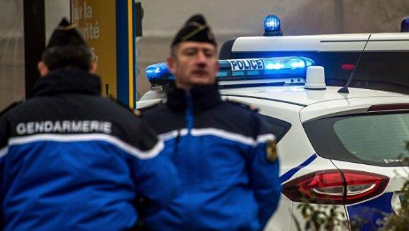 Стражи порядка воФранции открыли огонь помашине смигрантами