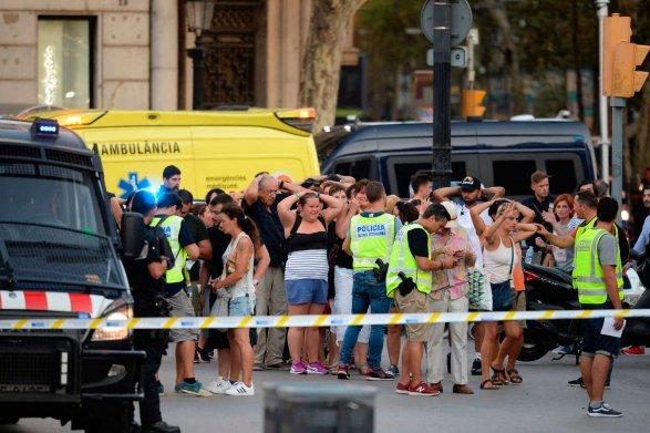 Автомобиль врезался втолпу пешеходов наюге Лондона