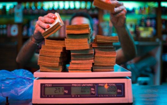 ВВенесуэле проинформировали обинфляции в1300% всамом начале года