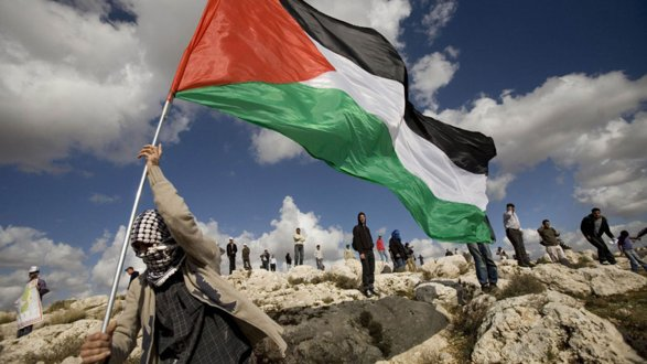Советник Аббаса объявил, что желает обсудить сЛавровым политические вопросы
