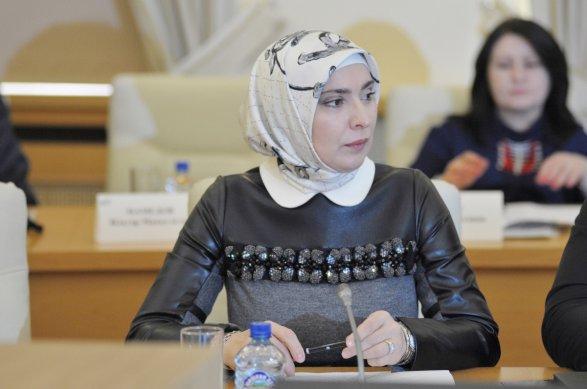 ЦИК принял документы жены муфтия Дагестана для выдвижения на выборы-2018