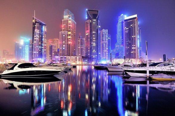 ВОбъединенных Арабских Эмиратах устроили самое масштабное лазерное шоу